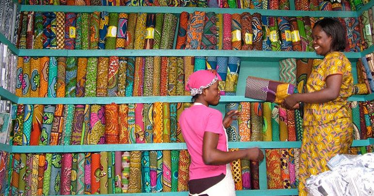Kejetia market cloth display