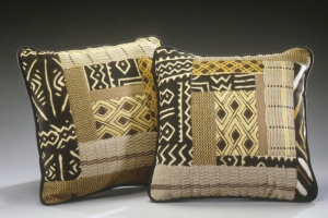 Decorator pillows patchwork with cloth from Mali and Zaire.